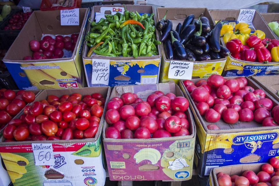 Где самые дешевые овощи: обзор цен на рынках Приморья