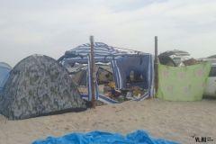 На пляже в Триозерье газовая печка взорвалась прямо в палатке
