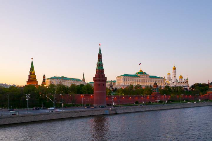 Россия продлила продуктовые санкции против Запада