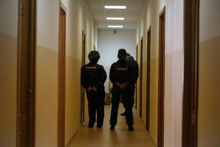 Приморец пойдет под суд за шутку о бомбе в жилом доме