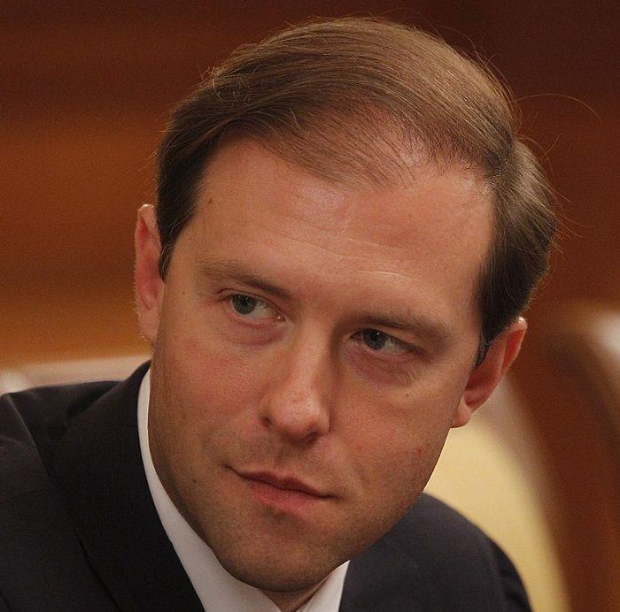 Глава Минпромторга угрожает АЗС огромными штрафами за недолив топлива