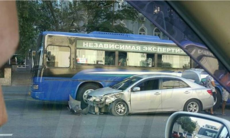 Необычное массовое ДТП произошло в центре Владивостока