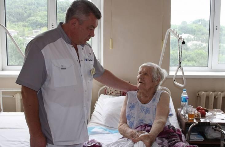 В находкинской больнице прооперировали 102-летнюю пациентку