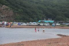Пляж острова Шкота: прозрачная вода и красивая природа в пешей доступности