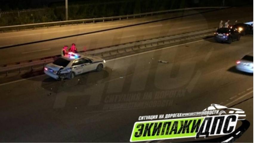 В пригороде Владивостока произошло ДТП с участием автомобиля ДПС