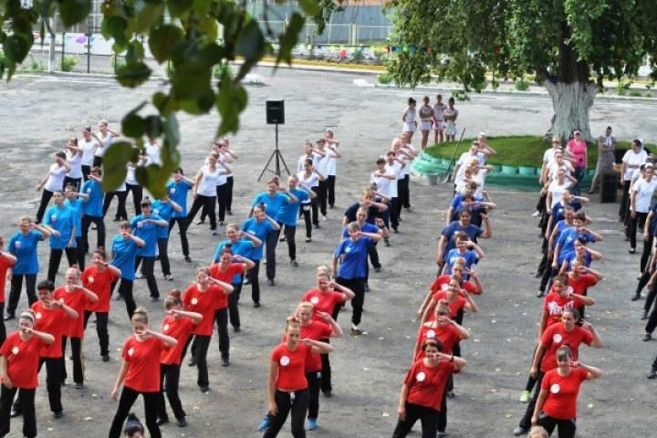 В приморской колонии прошел флешмоб в поддержку сборной России на Олимпиаде