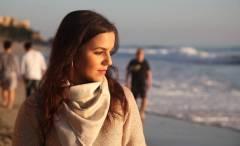 Актриса из Владивостока рассказала, как Моника Беллуччи научилась доить корову