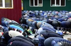 Во Владивостоке бойцы СОБР оцепили мечеть