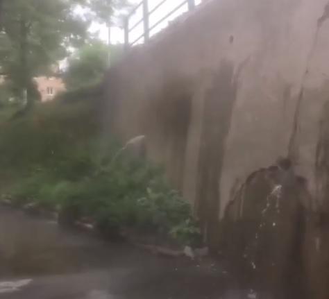 Во Владивостоке произошел порыв на трассегорячего водоснабжения