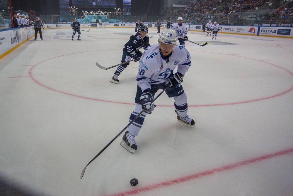 «Адмирал» провел первую встречу нового сезона КХЛ