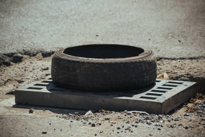 Бездорожье Владивостока: крупные ямы, поломанные подвески и злые водители