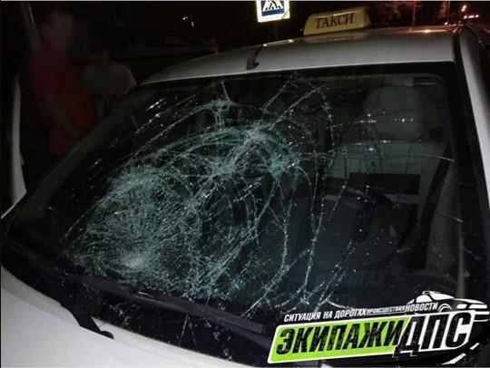 Таксист сбил трех девушек в Приморье