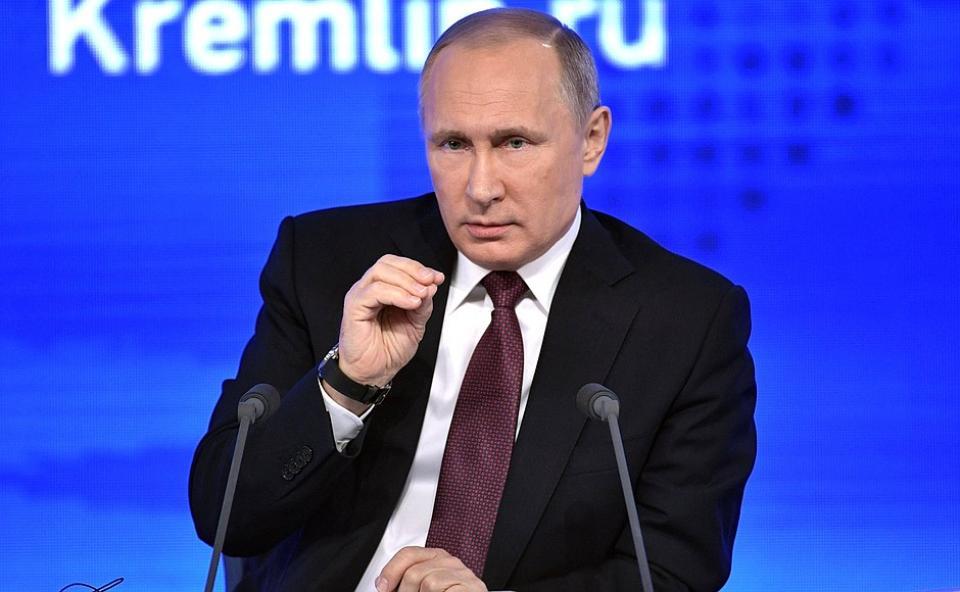 Путин во Владивостоке примет посланников 50 стран