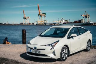«Дизельный» Toyota Prius на дороге удивил жителей Приморья