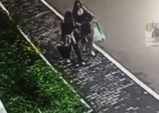 «Вызовите участкового»: поступок двух уссурийских девушек обсуждают в Сети