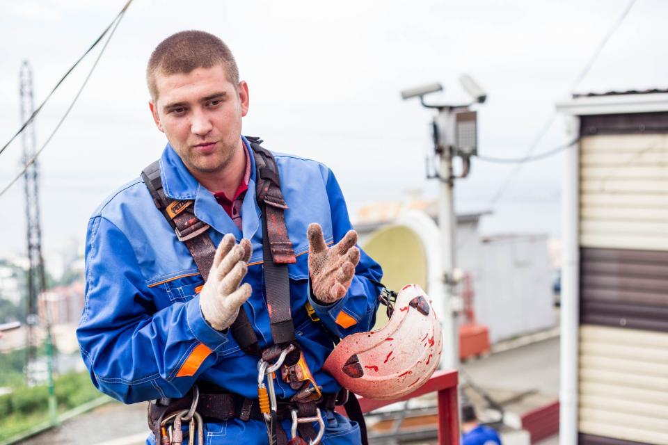 Владивостокский высотник Евгений Ишимов: «На 200-метровые башни лезем не за романтикой»