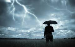 Приморцы в ожидании «Лайонрока»: соцсети наполнились дождливыми фотографиями
