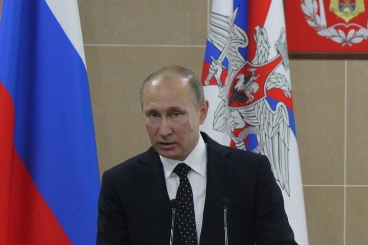 Владимир Путин посетил Президентское кадетское училище во Владивостоке