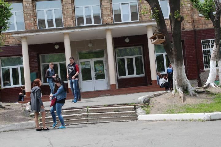 Владивостокская школа оконфузилась на 1 сентября