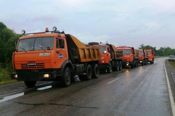 Размытый участок дороги к Кавалерово начали восстанавливать в Приморье