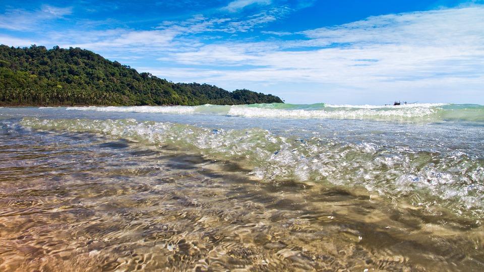 Роспотребнадзор проверил качество морской воды в Приморье