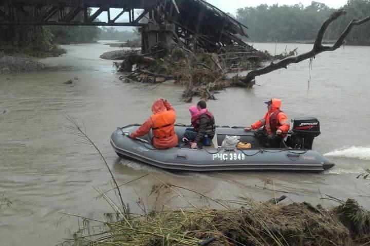 Спасатели эвакуировали жителей села Суворово Кавалеровского района
