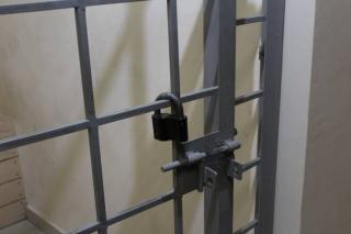 Во Владивостоке заключенные в СИЗО остались без алкоголя, наркотиков и мобильных телефонов