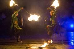 «Огни Востока» на фоне большого города: пламенные гости впечатлят столицу Приморья