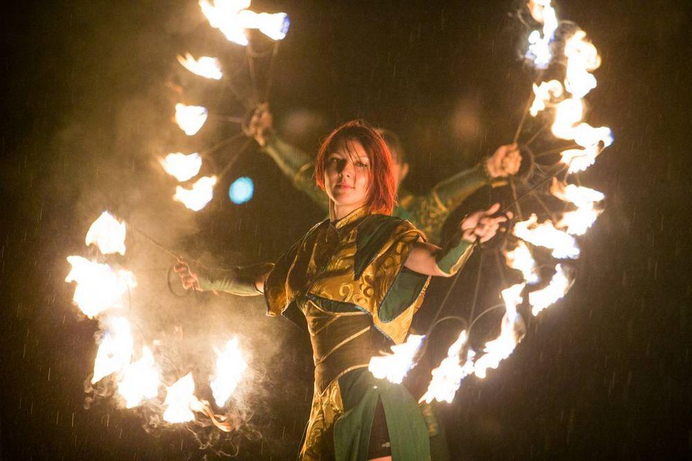 Крупнейший файер-фестиваль «Огни Востока» проходит в столице Приморья