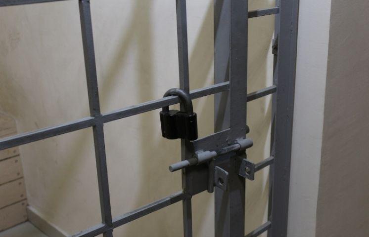 Житель Барнаула грабил квартиры во Владивостоке