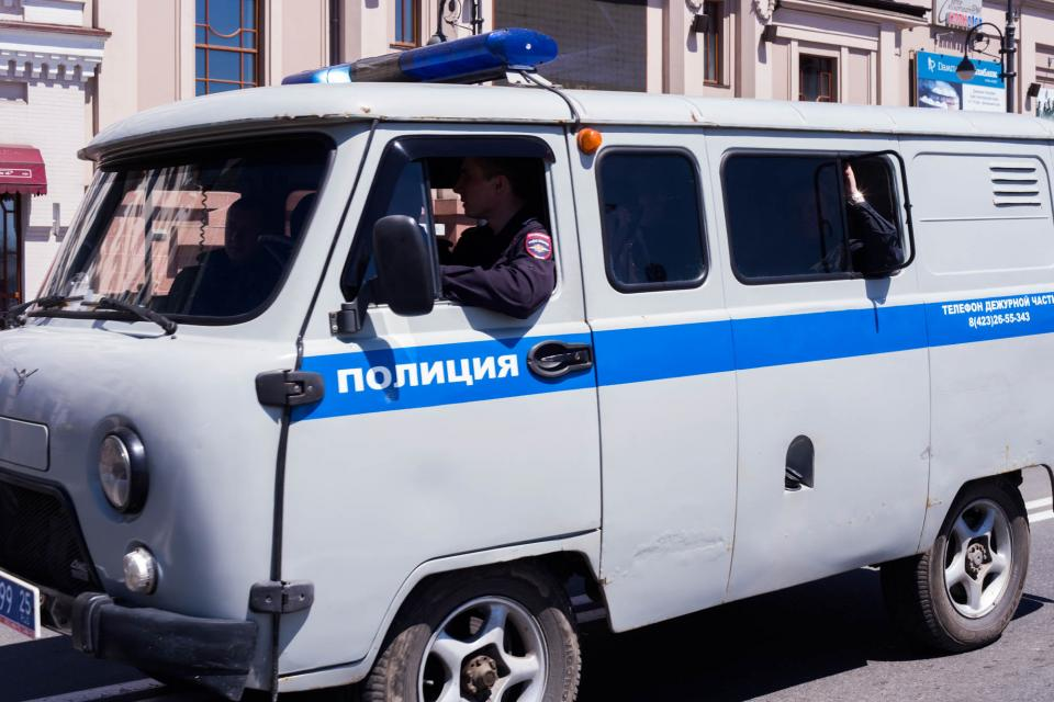 Во Владивостоке на автостоянке нашли артиллерийский снаряд