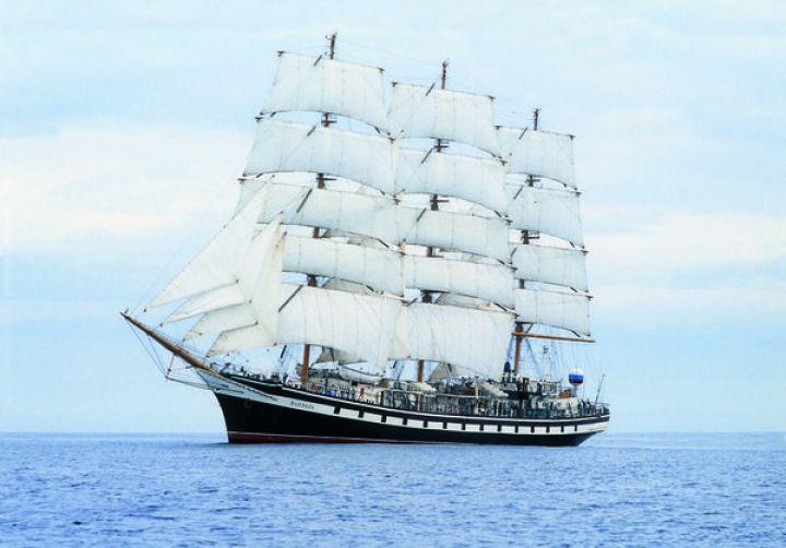 «Паллада» попала в шторм в Охотском море