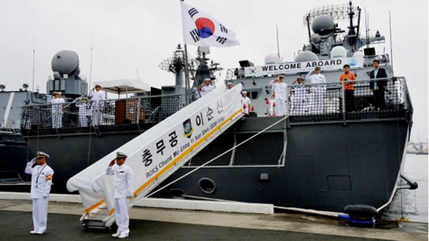 Жителей Владивостока пустят на южнокорейский эсминец