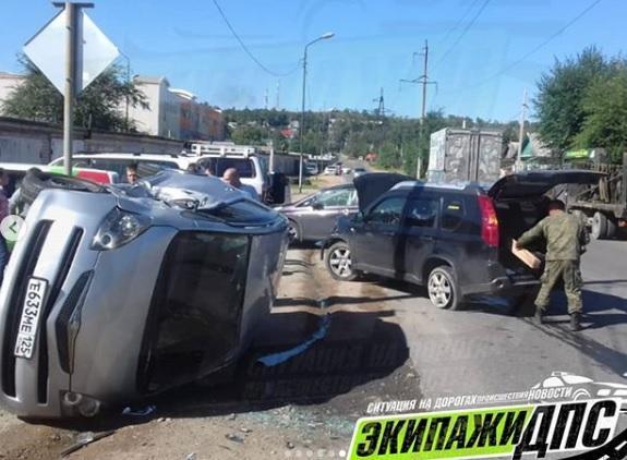Автомобиль перевернулся в результате ДТП в Приморье
