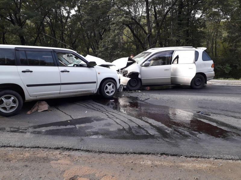 Пьяный автомобилист спровоцировал лобовое столкновение на трассе в Приморье