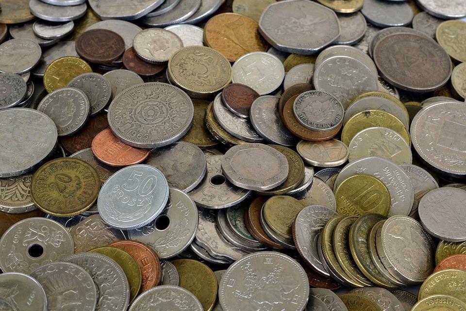 Приморец продал несуществующие монеты коллекционеру