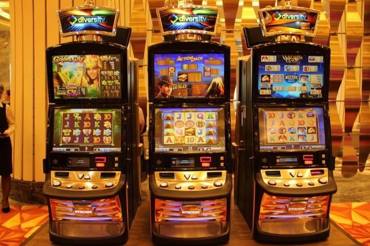 Посетителей казино в Приморье узнают в лицо