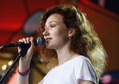 16-летняя певица из Владивостока поступила в школу для будущих ученых