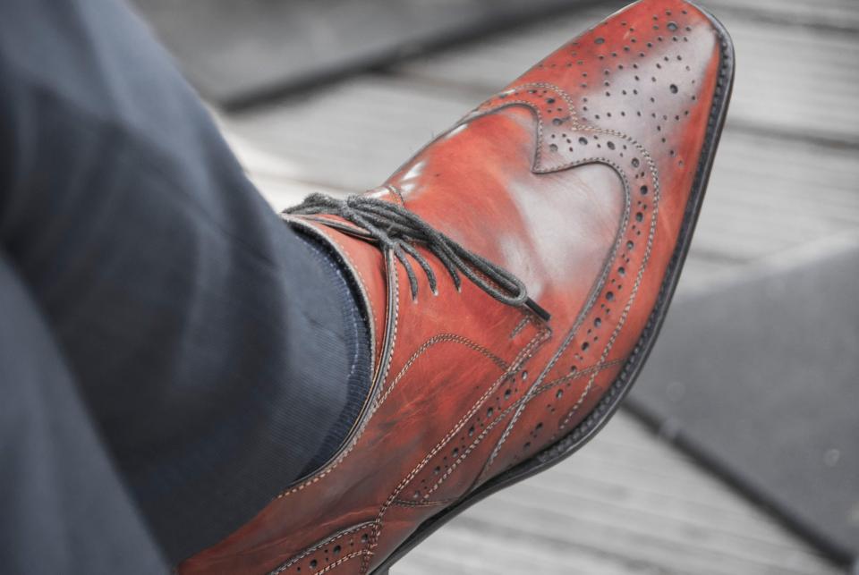 Во Владивостоке бомж украл пять пар дорогой обуви