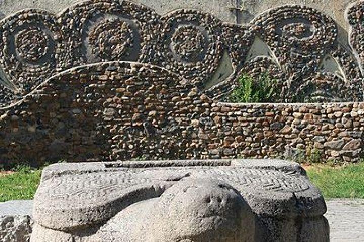 Выкопать и сохранить: что ищут и находят приморские археологи?