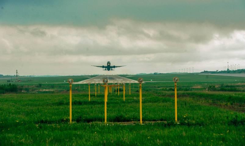 Самолет, летевший во Владивосток, экстренно сел в Благовещенске