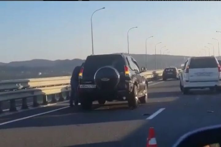 На трассе Де-Фриз - Седанка образовался серьезный затор из-за аварии