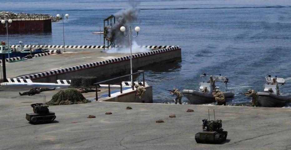 Малые противолодочные корабли ТОФ уничтожили лодку условного противника