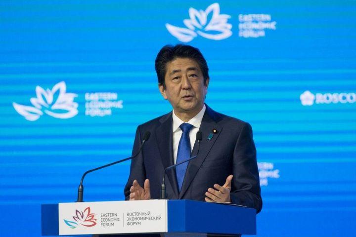 Премьер-министр Японии рассчитывает уговорить Путина на Южные Курилы в декабре