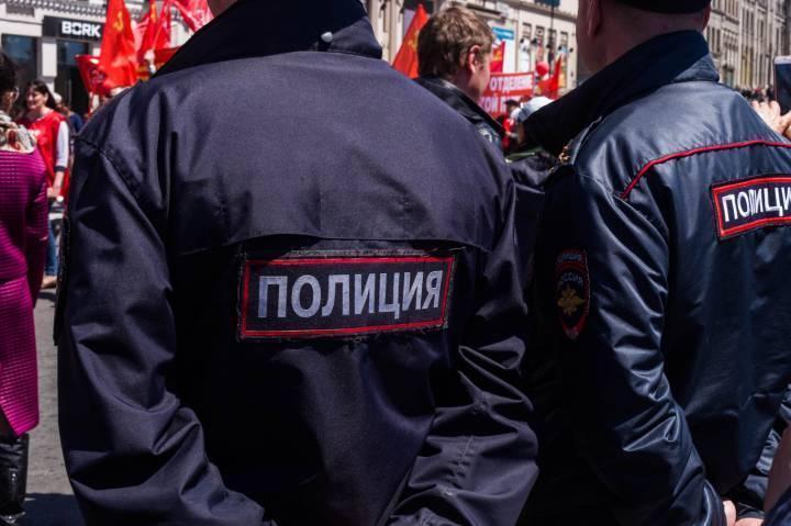 Приморскому полицейскому вручили медаль МВД России «За смелость во имя спасения»