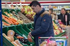 Социально значимые продукты дешевеют в Приморье