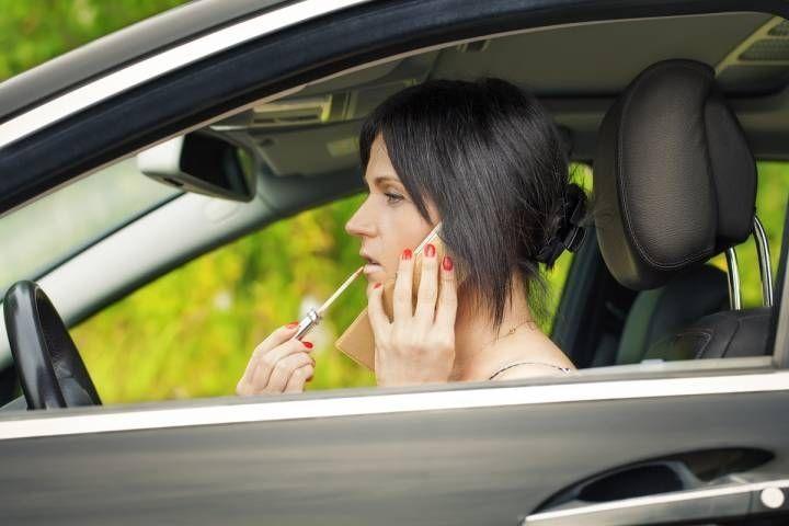 «Королева дороги» удивила водителей в пригороде Владивостока