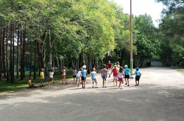 Дети из Приморья продолжают получать бесплатные путевки в санатории края