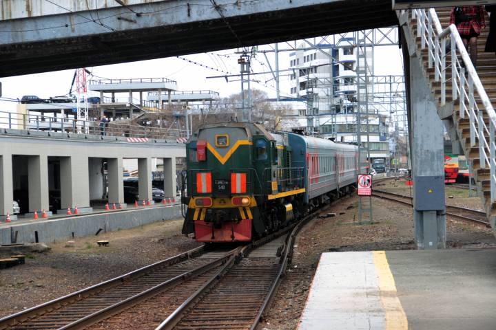 Красочный поезд в честь 100-летия Транссиба выехал во Владивосток