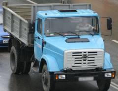 Из-за серьезной аварии в Приморье перевернулся самосвал с углем